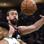 Kawhi Leonard salva los muebles para los Raptors tras dos prórrogas ante los Bucks